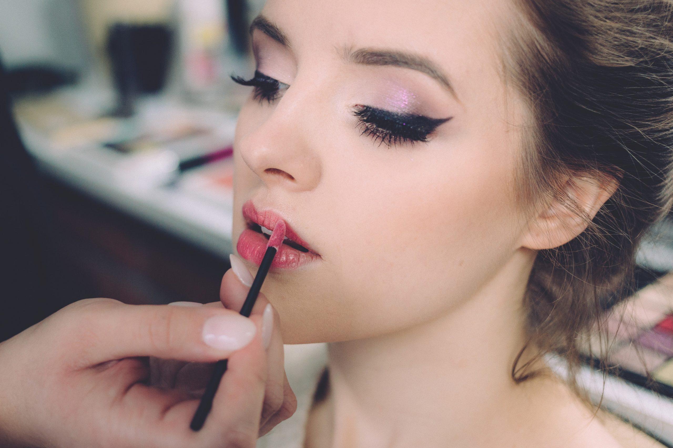 Beheers uw vaardigheden door een professionele make-upworkshop bij te wonen