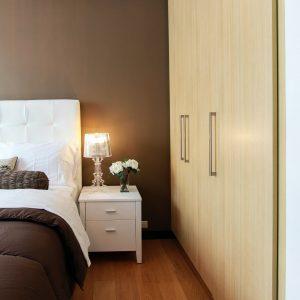 Heeft een kamer een kast nodig om een slaapkamer te zijn?