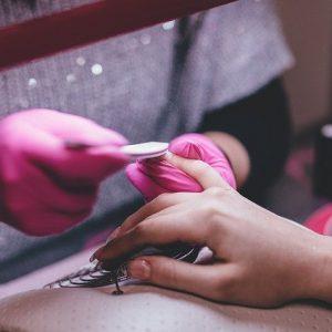 Hoe een mobiele nagelsalon te openen