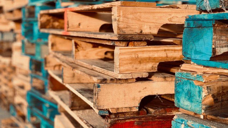 Waar moet je op letten bij het inpakken van pallets?